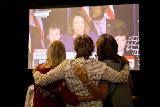Permalink to: ليست مجرد أرقام: دلالات الفوز الكبير للنساء في انتخابات التجديد النصفي الأمريكية